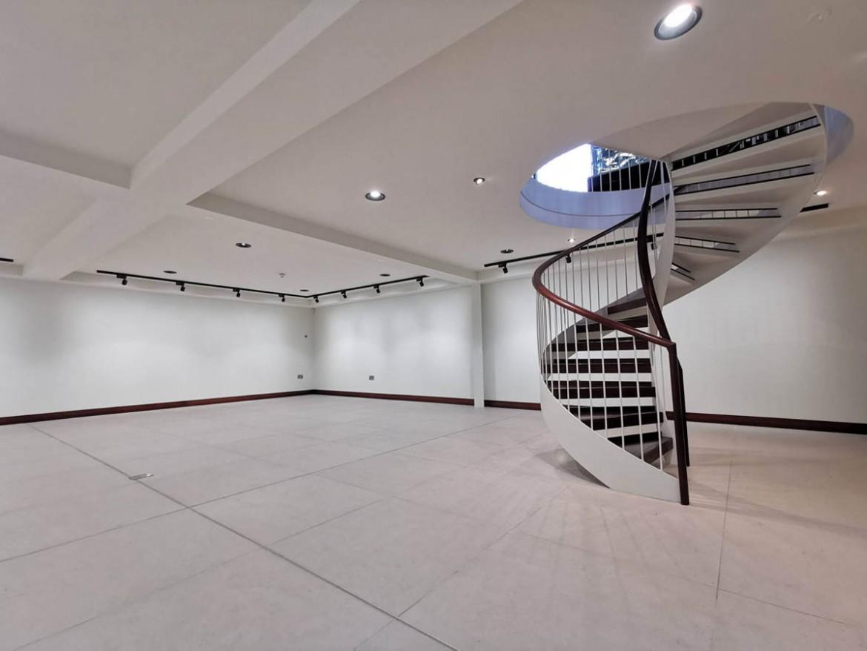 Private Garage / Office